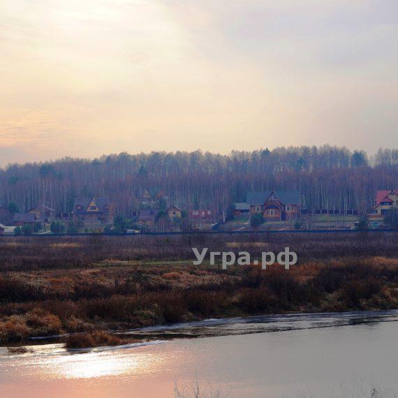 Продам земельный участок река Угра правый берег деревня Корокино
